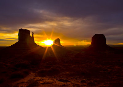 Sun Rise In Monument Valley 5009
